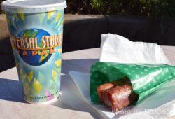 食べ歩き&軽食におすすめ!ジュラシックパークのポークリブ